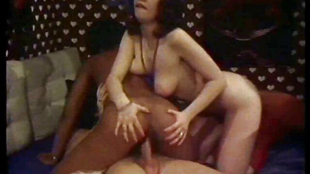 Estrella porno japonesa tetona Rio Hamasaki chupa peliculas incesto español todo el semen de la polla