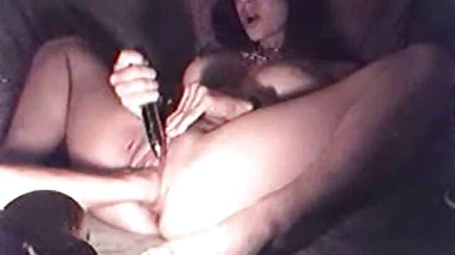 Dos jóvenes y youjizz en español dulces lesbianas violaron su credo e invitaron a una amiga en común a visitarla. El chico espera sexo en grupo con novias lesbianas que sustituyen sus coños por la entrada de una polla excitada
