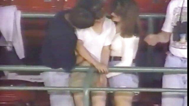 Hermanastro lujurioso se folla a una videos porno en español hd hermana dormida en la boca y un coñito