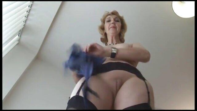 Acariciando mi coño videos lesvicos en español mojado