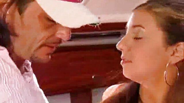 Hermosa y romántica follada de una joven videos porno nuevos en español japonesa y un hombre caliente