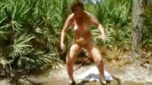 Hermanastro le hace una rabieta a la hermana pequeña Piper Perri videos porno cortos en español y se folla a una rubia