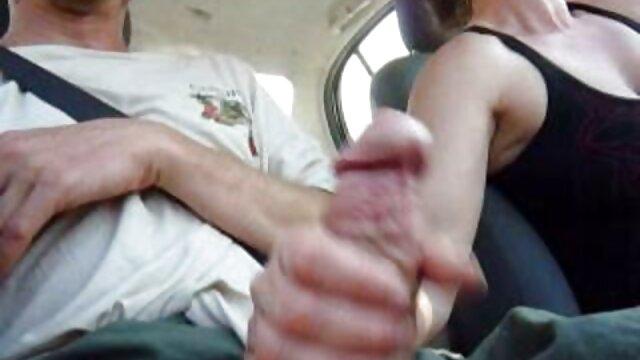 La rubia le hace un masaje erótico al cliente peliculas xxx gratis completas
