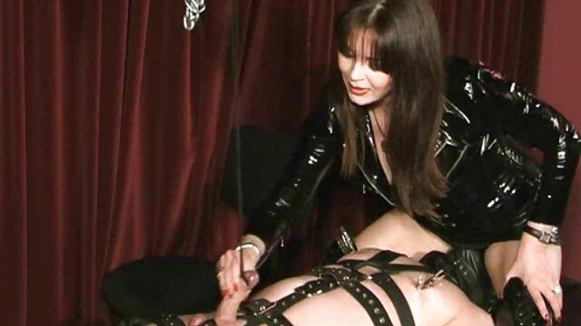 Madura videos xxx audio español zorra es follada por un joven stripper