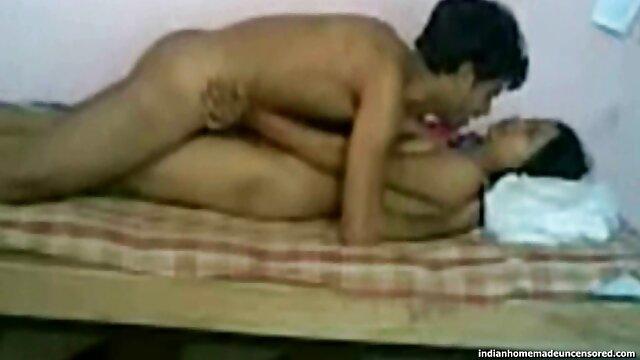 La lujuriosa secretaria aprovecha un videos de sexo gratis en castellano momento conveniente y arrastra al tipo a una habitación oscura en el fondo, le ofrece su coño mojado cuidadosamente afeitado para una follada loca