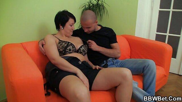 El canoso lame porno español 4k el coño de la rubia