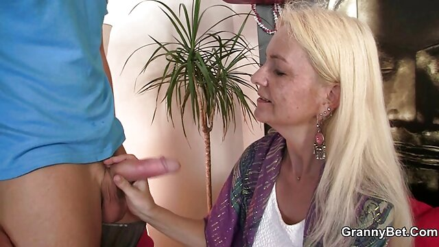 Puta asiática chupa polla videos porno subtitulado larga
