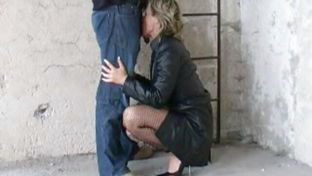Rubia sexy e insaciable folla con un taxista lujurioso peliculas eroticas xxx en español