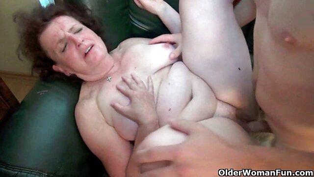 La perra termina con un squirt de un porno clasico en castellano gordo vibrador